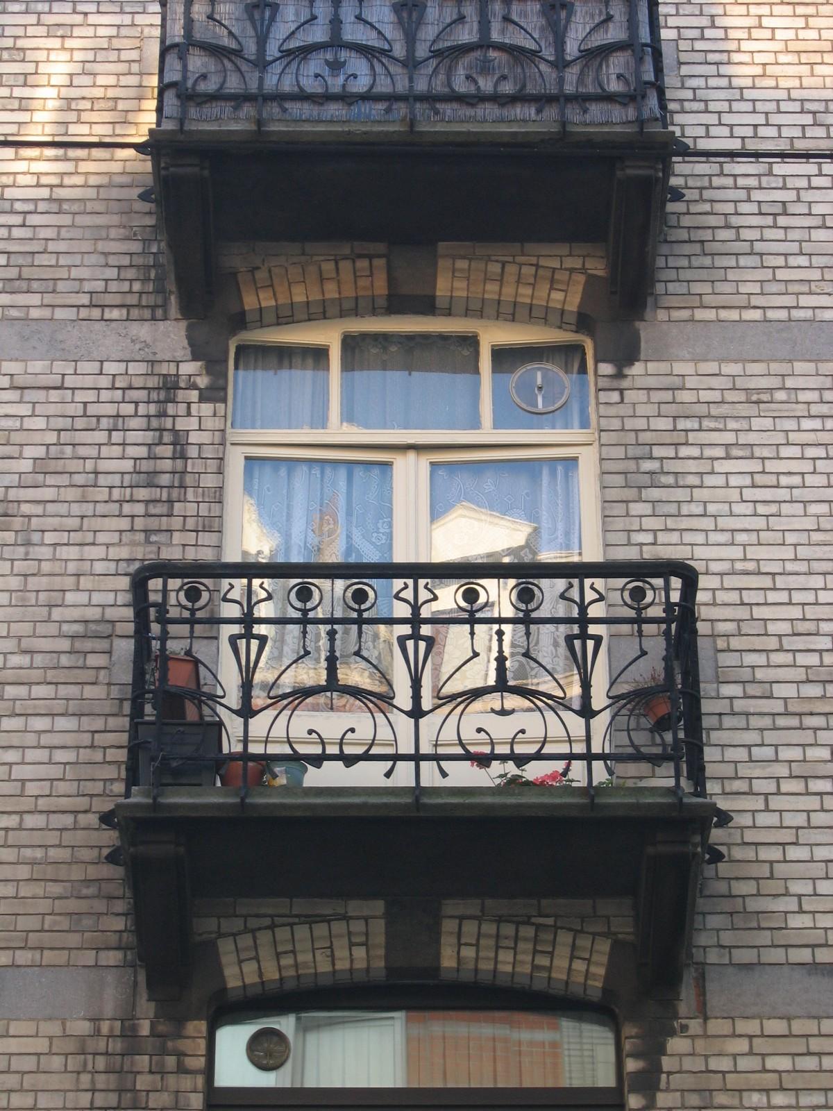 Morisstraat 62, balkon, 1899, arch. Jean-Pierre Van Oostveen., 2005
