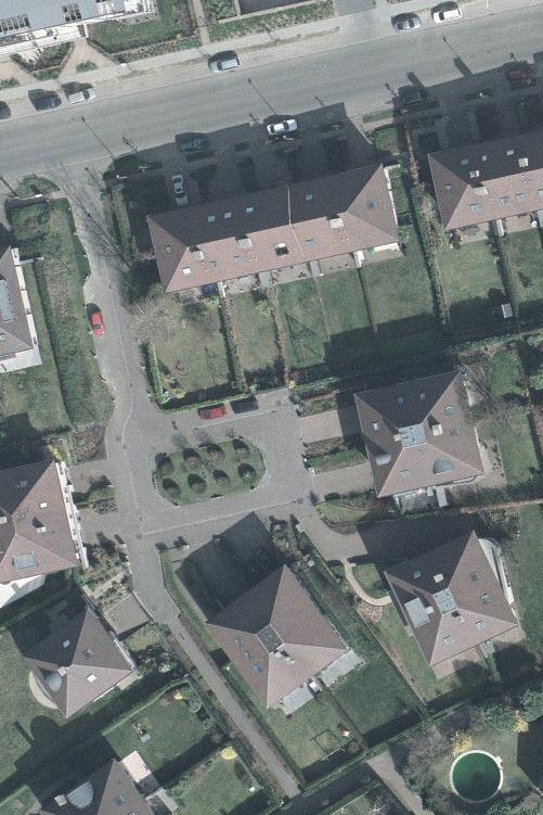 Le clos Jean Mermoz, vue aérienne© Bruxelles Urbis ® © – Distribution: CIRB 20 avenue des Arts, 1000 Bruxelles, 2004