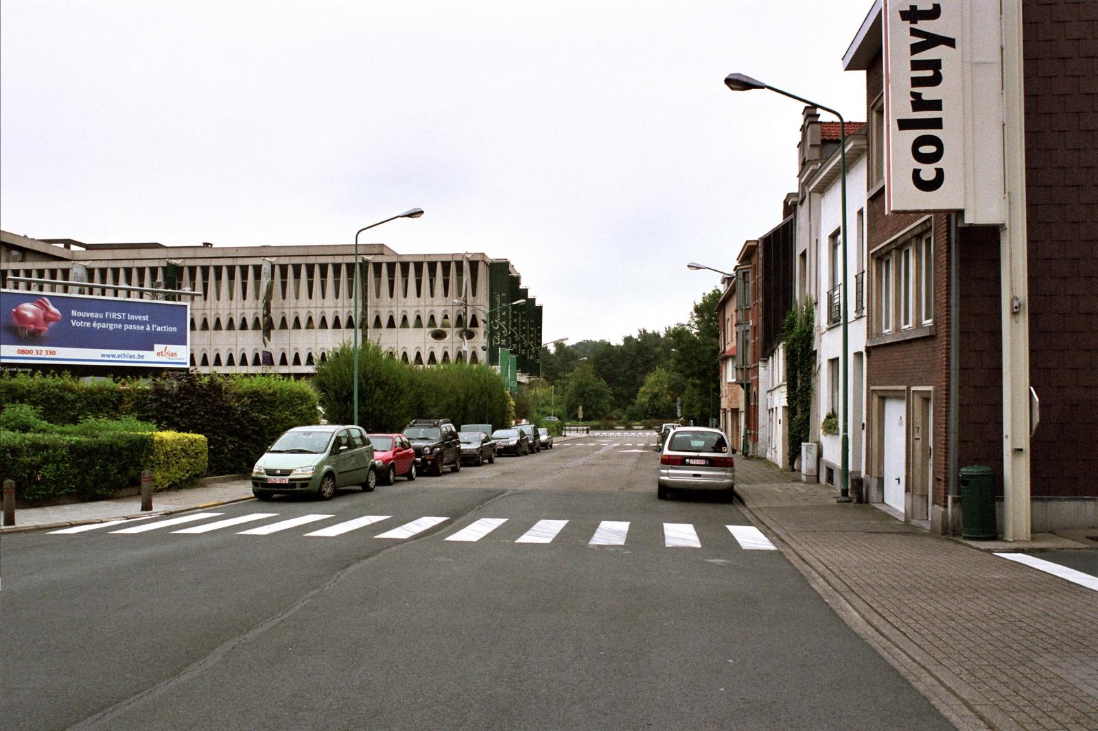 Rue Pierre De Cock, vue vers le boulevard de la Woluwe., 2005