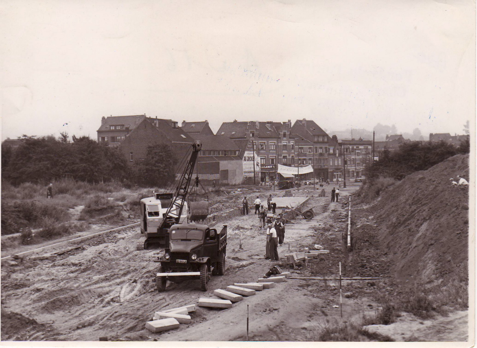 L'avenue de Hinnisdael en construction, juin 1952, ACWSP/SP (fonds non classés).