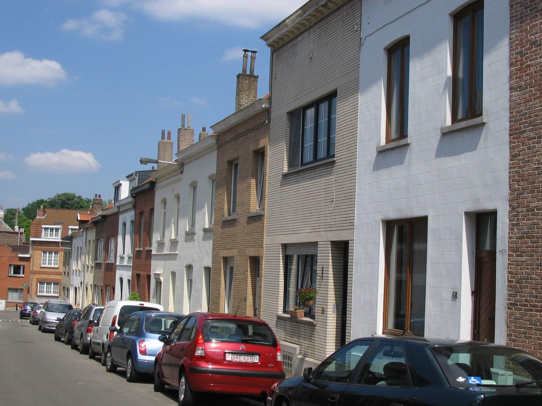 Rue Van Bever, vue du côté pair du premier tronçon, 2008