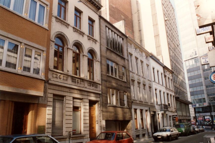 Rue de la Charité, côté pair vers la chaussée de Louvain., 1993