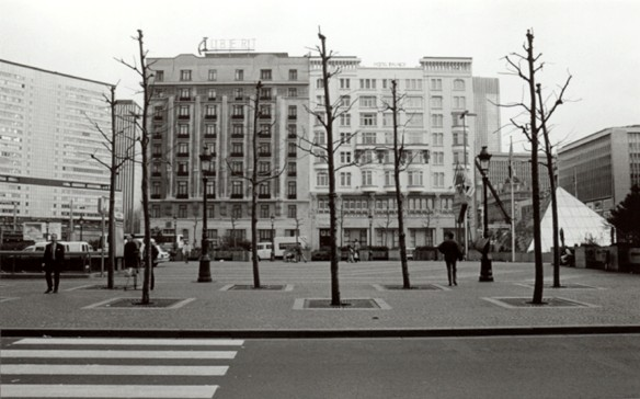 Place Charles Rogier, front est, à gauche, l\'hôtel Albert Ier, à droite le Palace Hôtel (photo 1993-1995).