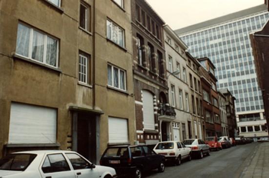 Rue de la Comète, côté pair, vue vers la rue Brialmont (photo 1993-1995).