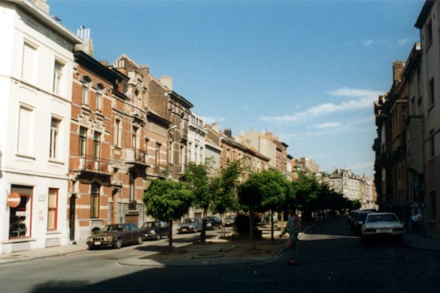 Avenue Jottrand, vue depuis la rue Verbist vers le square Armand Steurs (photo 1993-1995).