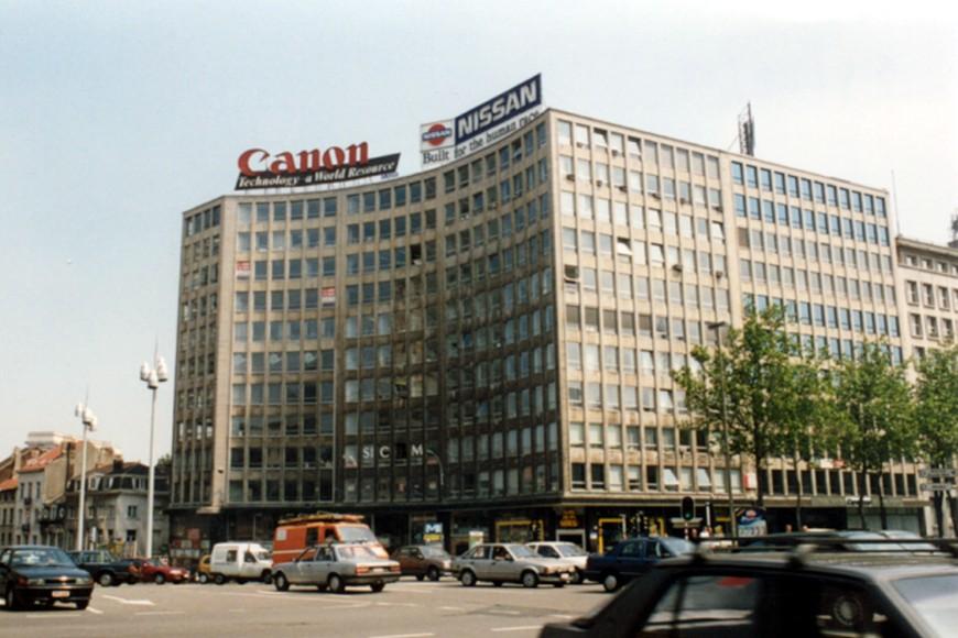 Place Madou, 5 à 9, vue depuis le boulevard Bischoffsheim (commune de Bruxelles) (photo 1993-1995).