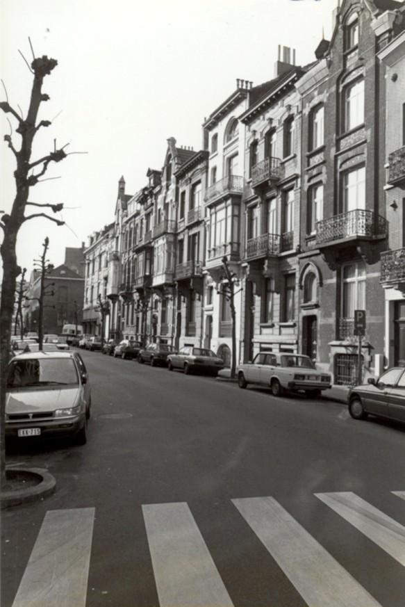 Rue du Mérinos, enfilade côté impair (photo 1993-1995).