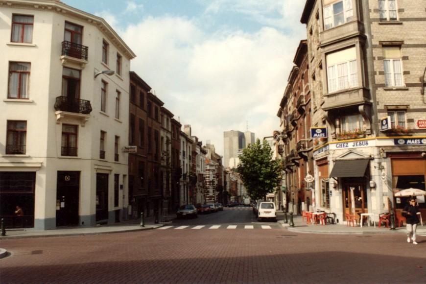 Rue des Moissons, vue depuis l\'avenue Jottrand (photo 1993-1995).